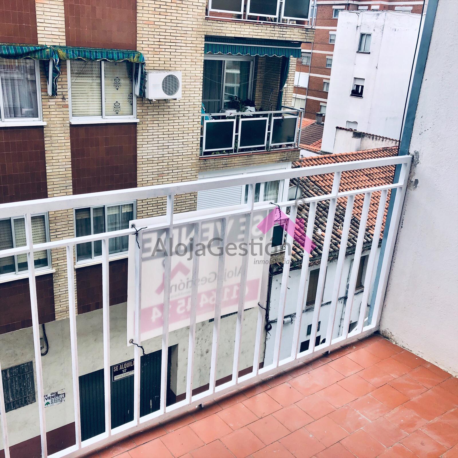 Venta de  piso en Plasencia , en Calle El Torno